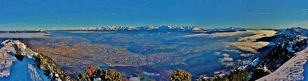 Vue_sur_Grenoble_et_les_Alpes_depuis_le_Moucherotte_by_Bertrand_Marion-copie.jpg